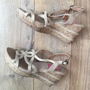 POP Shoes l Cream Memory Foam Wedge Sandals